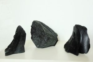 """Afbeelding van het kunstwerk """"Drieluik, serie wilde stenen"""""""